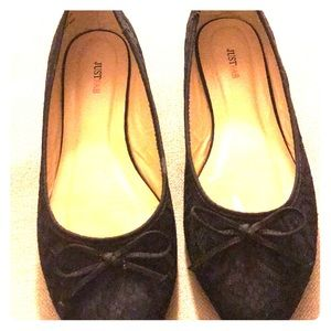 Navy blue almond shape flat. Black lace overlay.